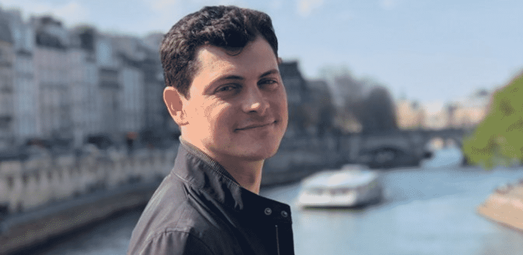 Best Digital Nomad Blogs Nomadic Matt in Paris